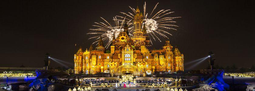 """上海迪士尼度假区举办""""梦想开幕""""音乐晚会"""
